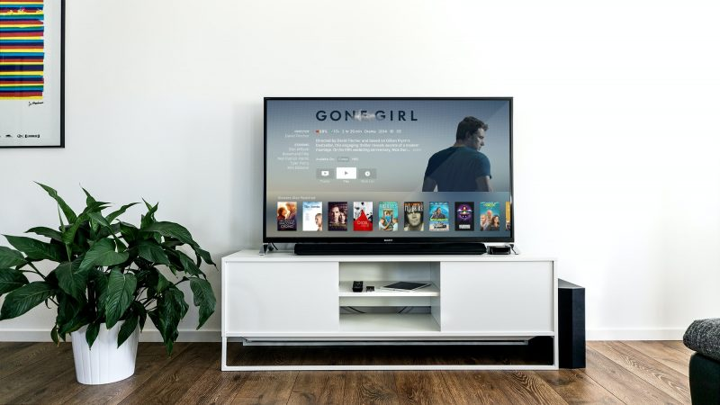 Galaxy の DeX 機能を使って大画面で映画やYouTube などの動画鑑賞